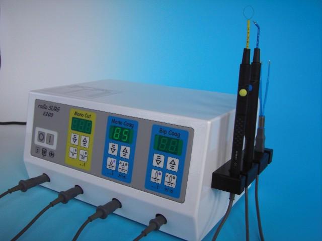 radioSURG® 2200 Radiofrequenzgerät (Fa. Meyer-Haake, Wehrheim)